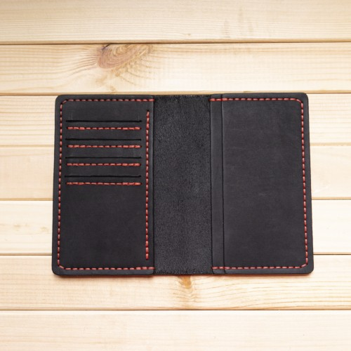Черная обложка на паспорт из натуральной кожи